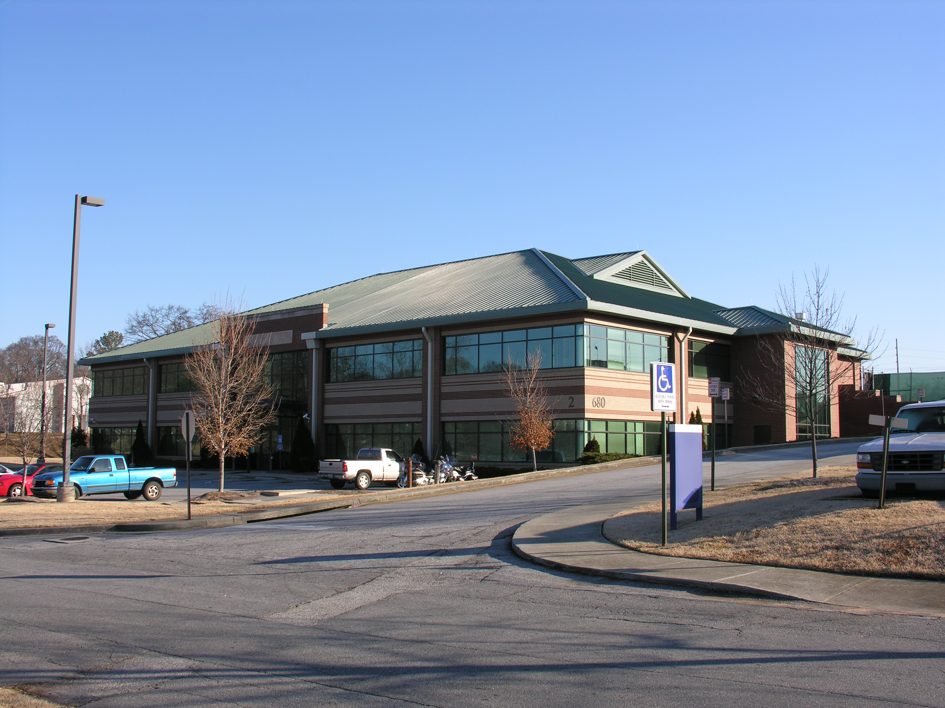 Cobb County Water Authority Office Building, Marietta, Georgia - US175LS -Hemlock Green